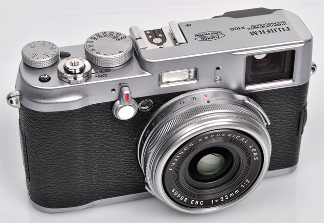 fujifilm-finepix-x100-on-angle-666